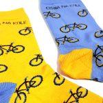 fuzekle zoki cisna na kole skarpetki z rowerem