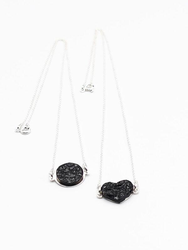 naszyjniki z węgla